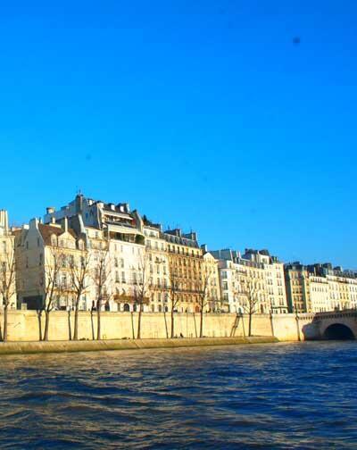 from the paris bateaux-mouche
