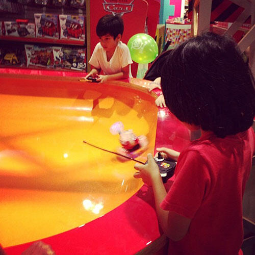 aa-hamleys-one-utama-3