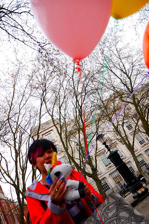 aa-london-yishyene-16-unicorn-balloons