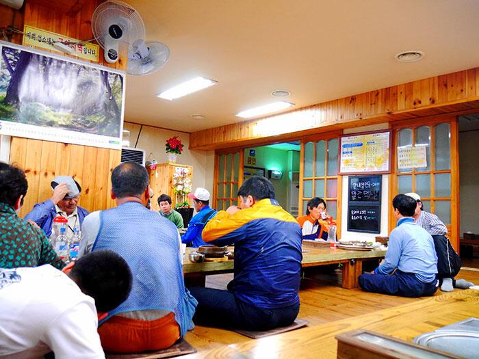 jeju-korea-28-traditional-korean-bbq-house