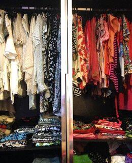 clothes-wardrobe-colour-coordinating