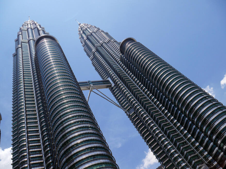 HGTV Asia The Cousins in Malaysia John Colaneri Anthony Carrino-16 KLCC Petronas Twin Towers