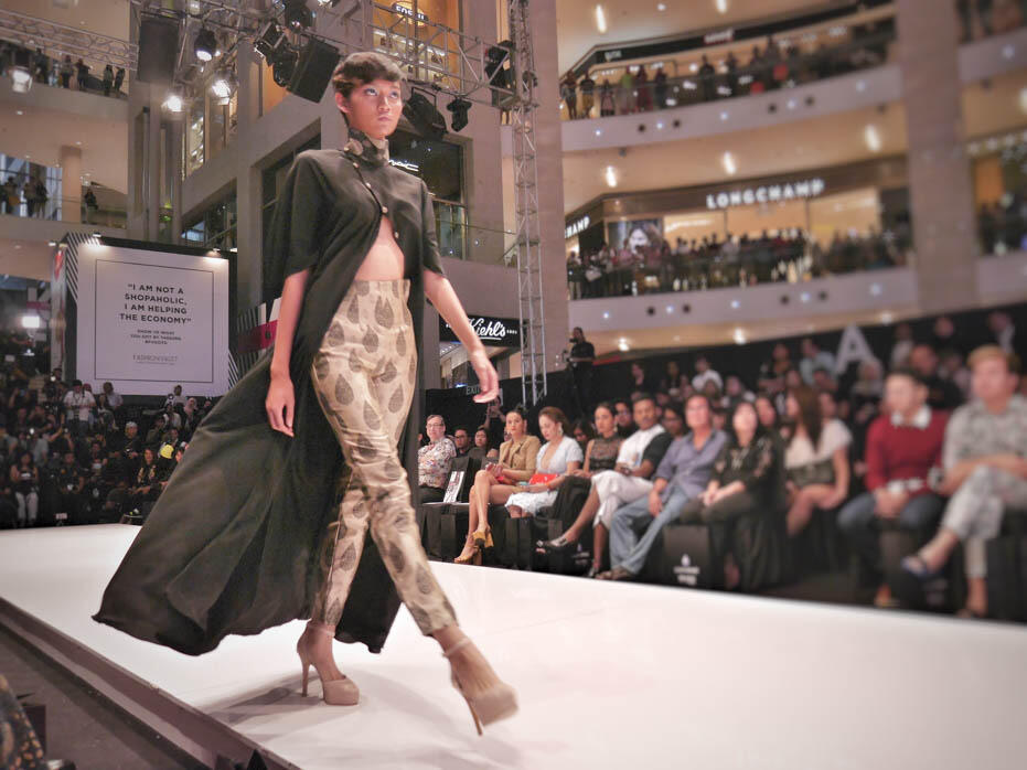 KL Fashion Week KLFW RTW 2016 Day 2 - 16 fashion show sazzy falak