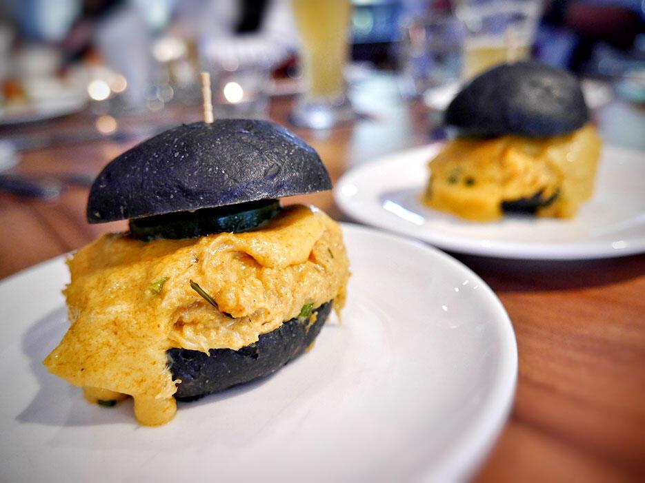 Tiki-Taka-KL-Malaysia-5--Salted-Egg-Crab-Bun