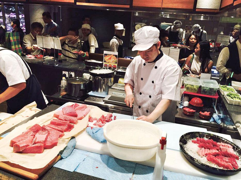 b-isetan-the-japan-store-lot-10-launch-6-the-market-tuna-sashimi