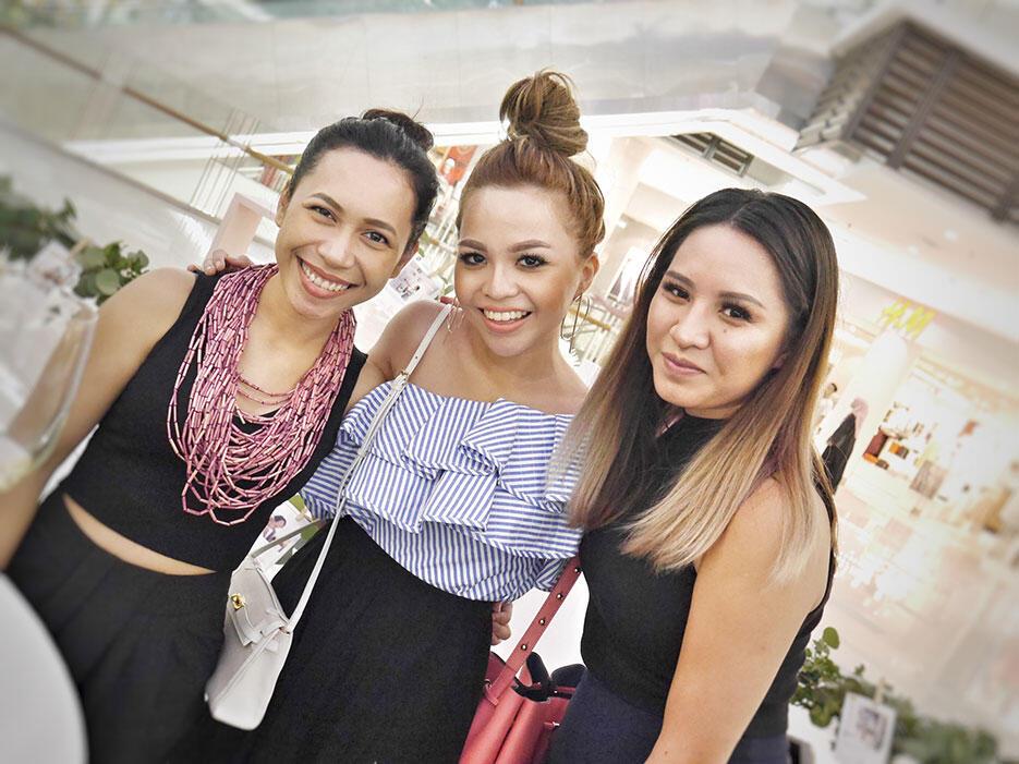 love-bonito-paradigm-pop-up-store-launch-malaysia-10-faridah-zulkiflie-emma-shazleen-hanie-hidayah