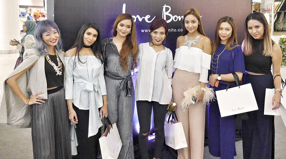 love-bonito-paradigm-pop-up-store-launch-malaysia-17-joyce-wong-qalisha-ray-defam-cik-manggis-sophia-liana-azira-shahfinaz-hanie-hidayah-naddy-rahman
