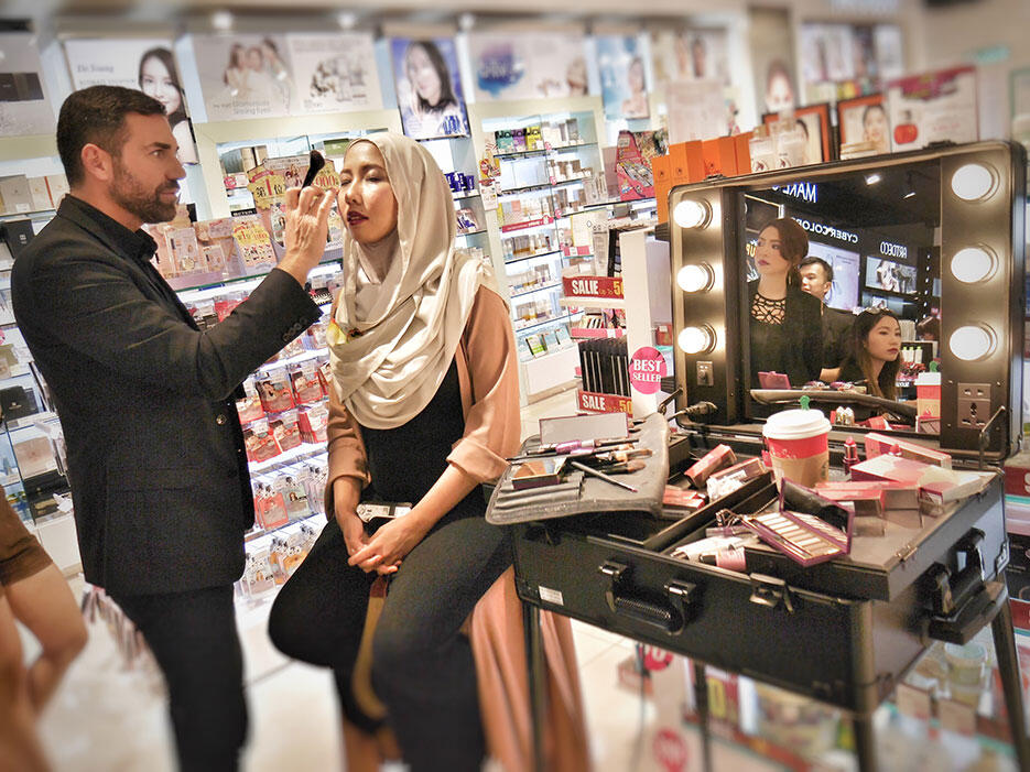 a-pupa-milano-make-up-demo-sasa-malaysia_2-giorgio-forgani-aida-sue
