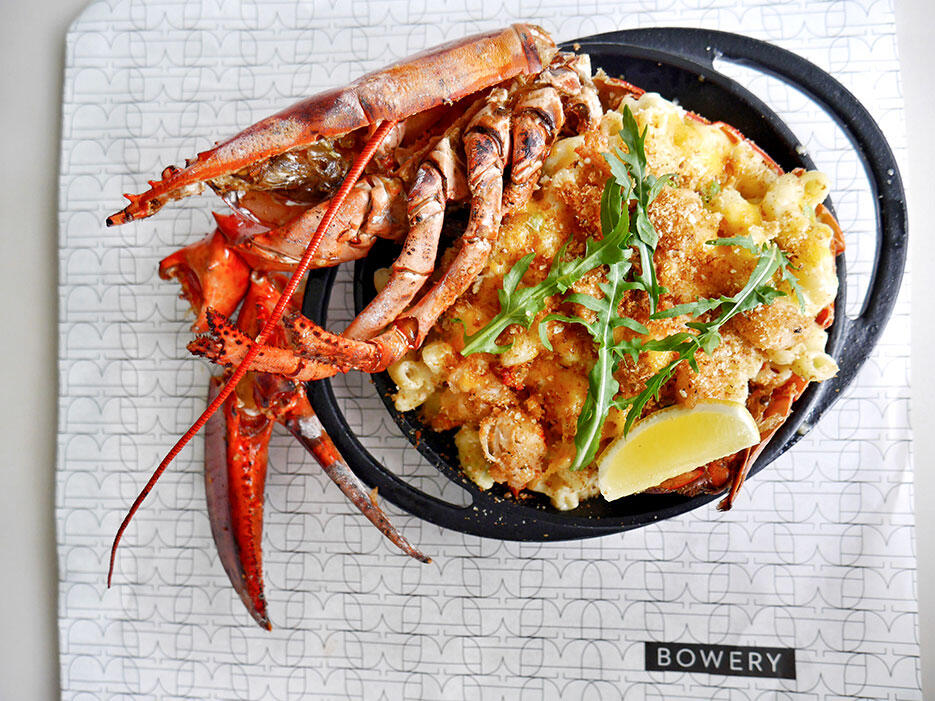 bowery-kitchen-bar-solaris-dutamas-publika-1-lobster-mac-cheese