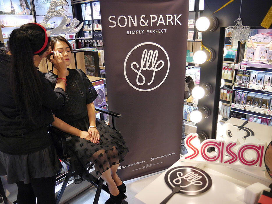 son-park-cosmetics-make-up-workshop-selectiv-by-sasa-malaysia-1
