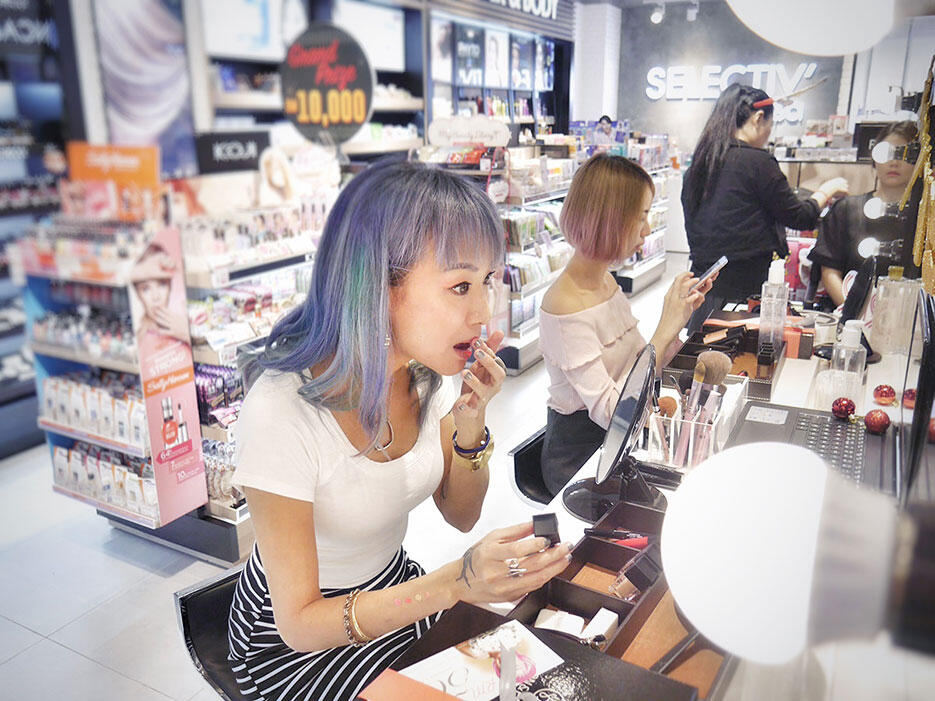 son-park-cosmetics-make-up-workshop-selectiv-by-sasa-malaysia-15-joyce-wong