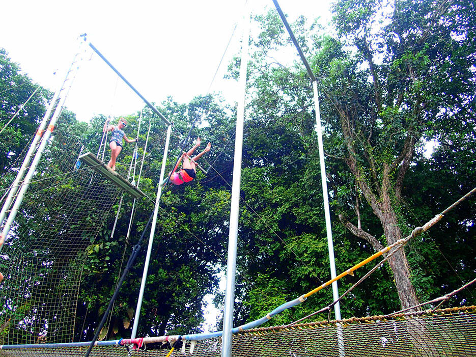 club-med-cherating-62-trapeze