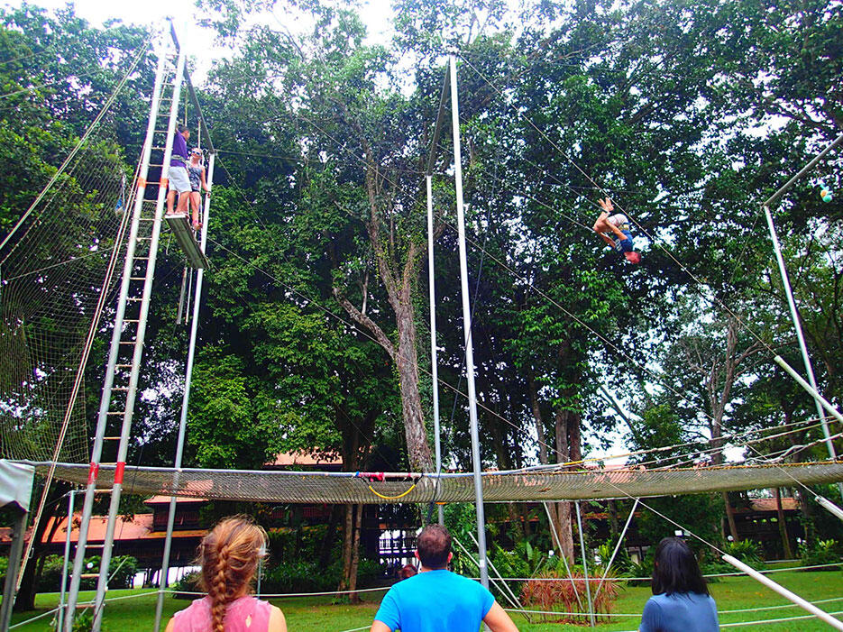 club-med-cherating-64-trapeze