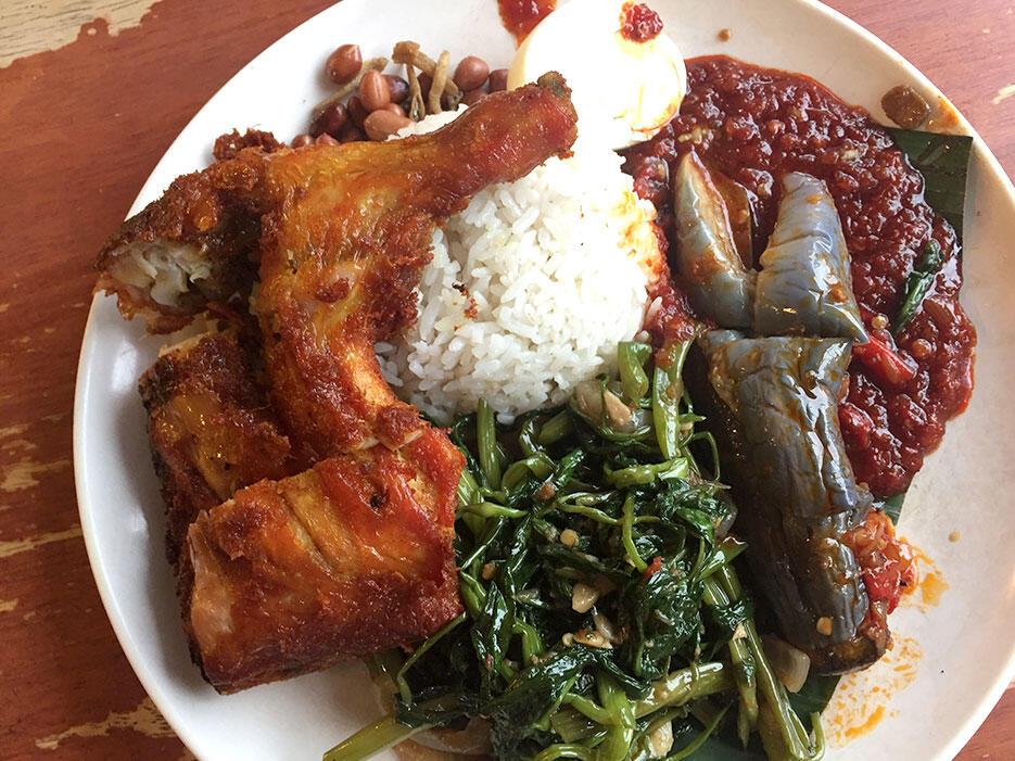 food-malaysia-10-village-park-nasi-lemak