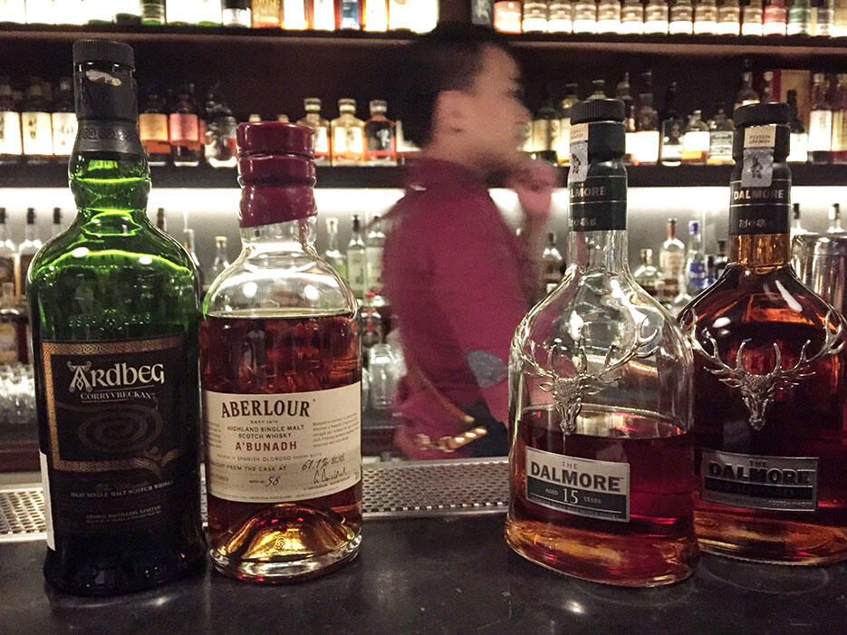 61M-61-monarchy-damansara-uptown-whiskey-bar-2-malaysia
