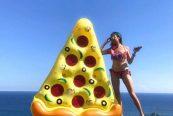 karang-saujana-uluwatu-bali-16-FP-pizza-float-food-before-dudes-
