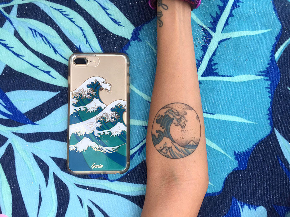 uluwatu-surf-villas-bali-6-great-wave-of-kanagawa-tattoo-phone-cover