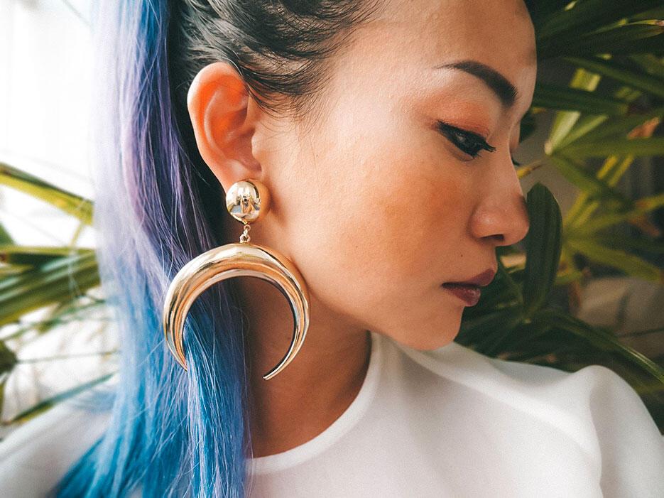 nastygal-crescent-earrings-buyandship-2-joyce-wong-malaysia