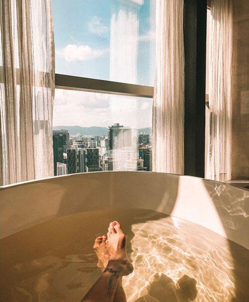 the-banyan-tree-spa-FP-kl-malaysia-bathtub-city-view